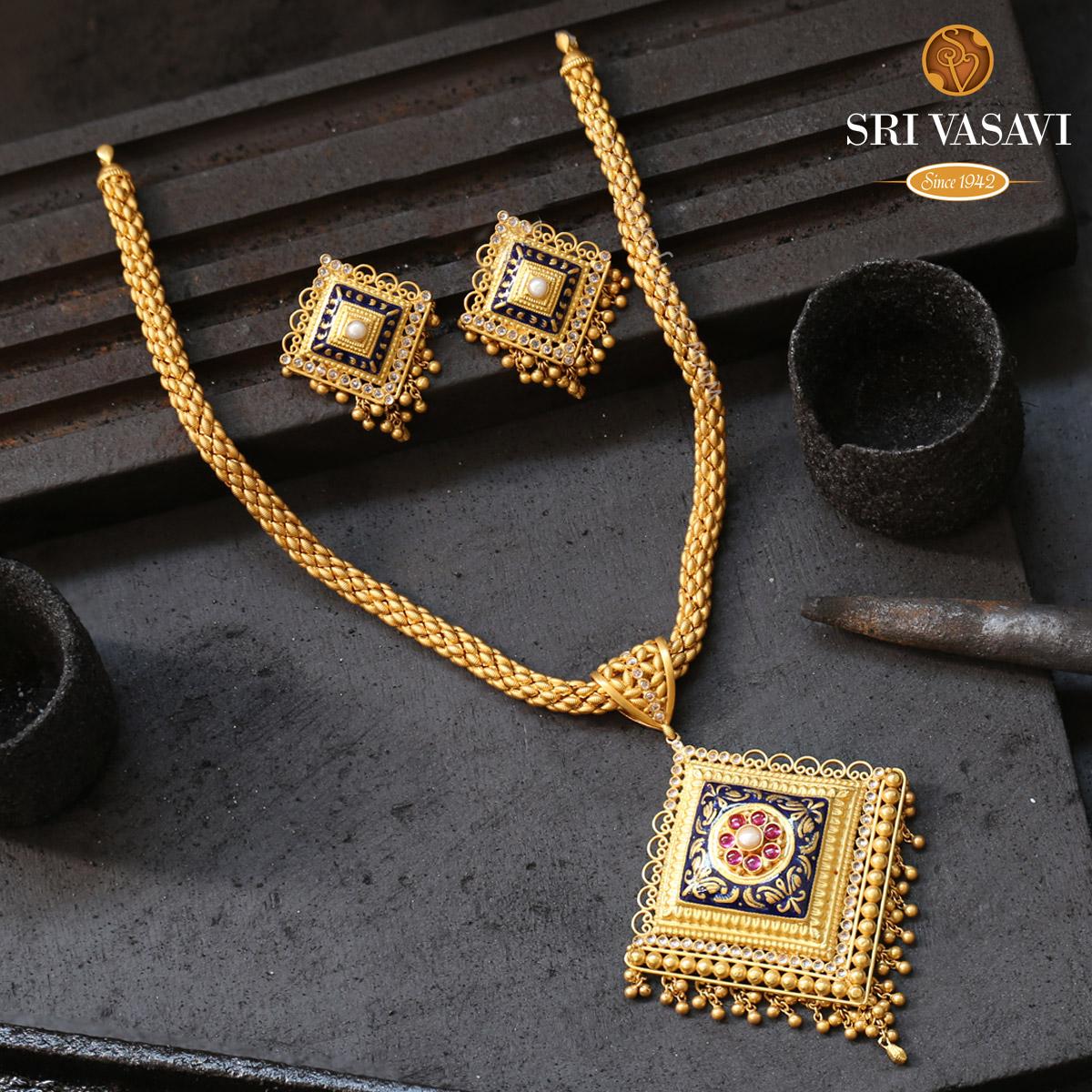 Diamond shape Necklace set