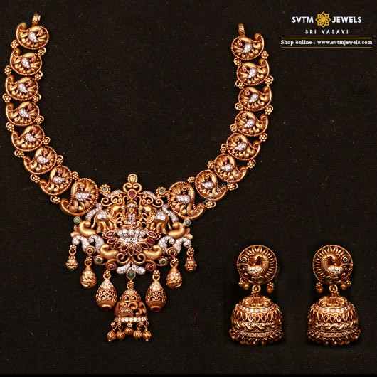 Saarasi Lakshmi Necklace Set
