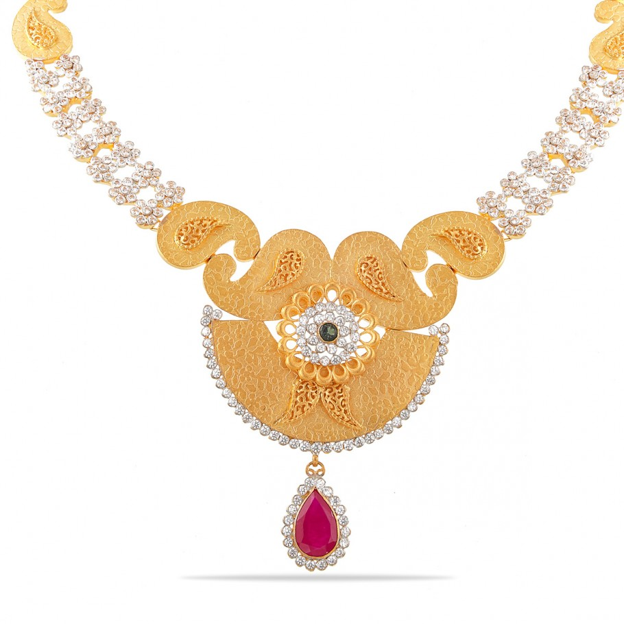 Exquisite Gold Necklace