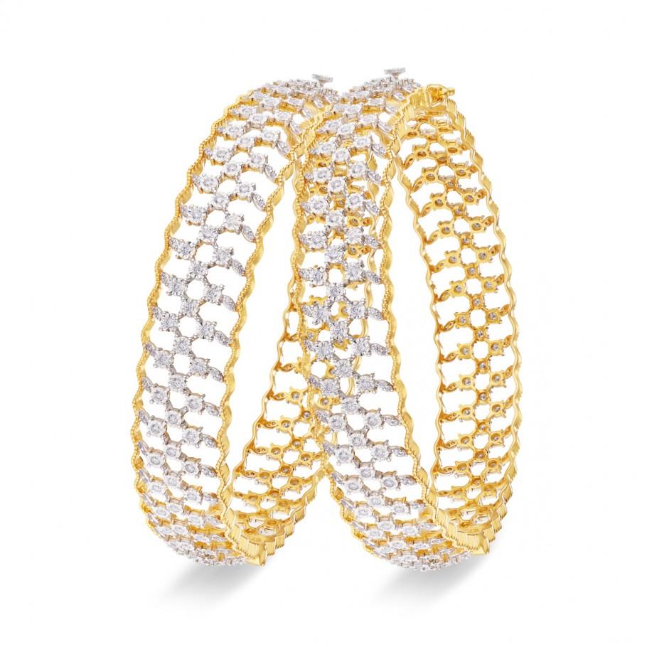 Entangled Diamonds