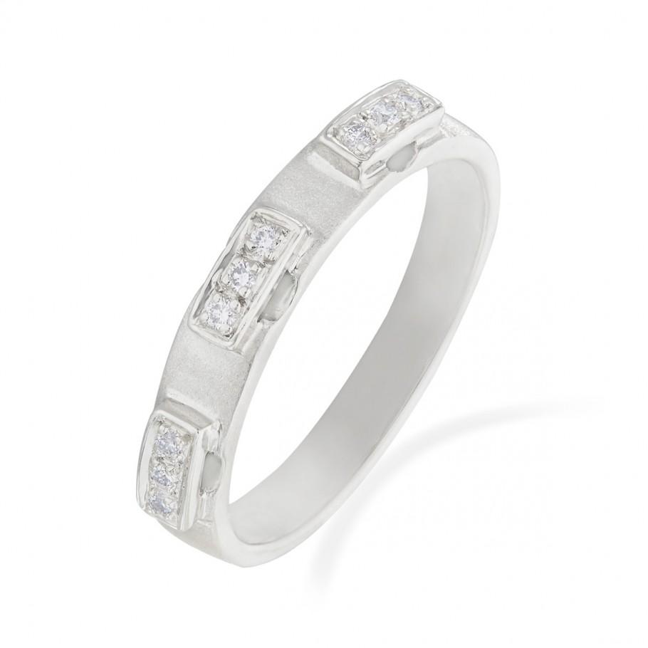 Seductive Diamonds