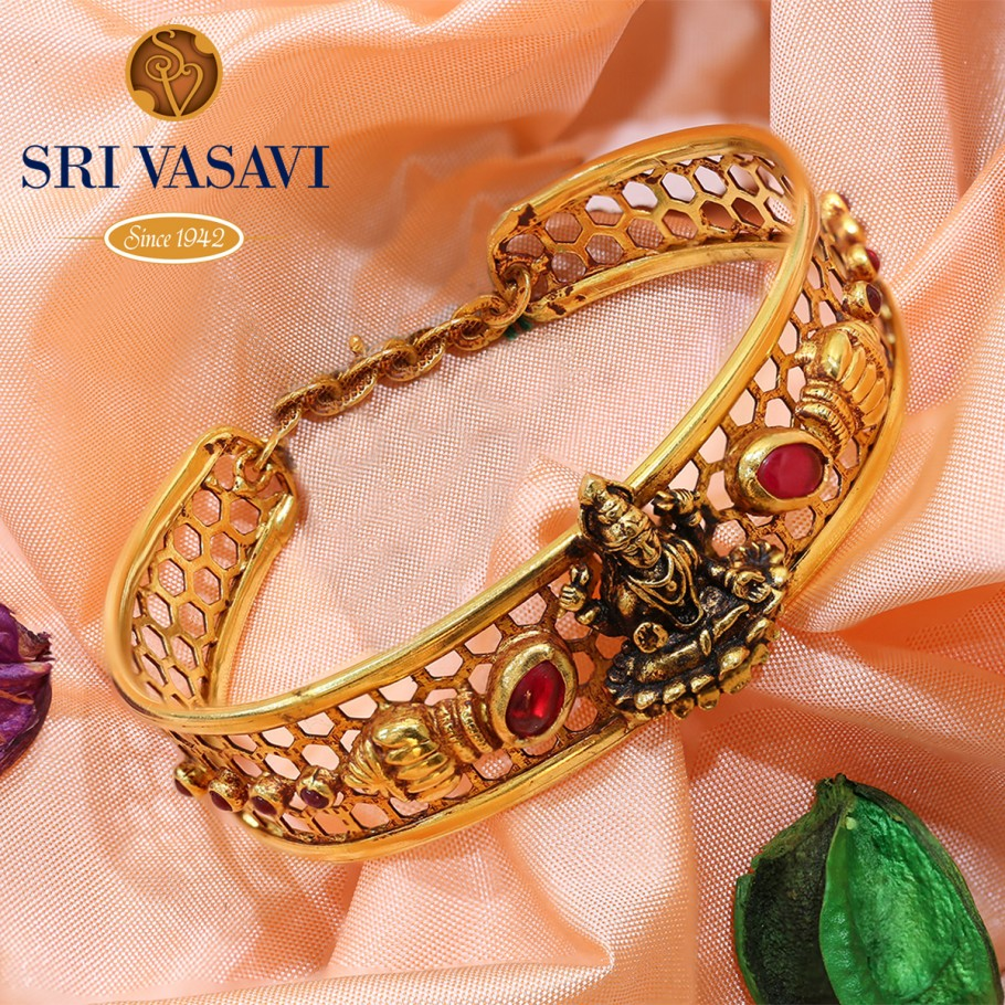 Surabhya Gold Bracelet