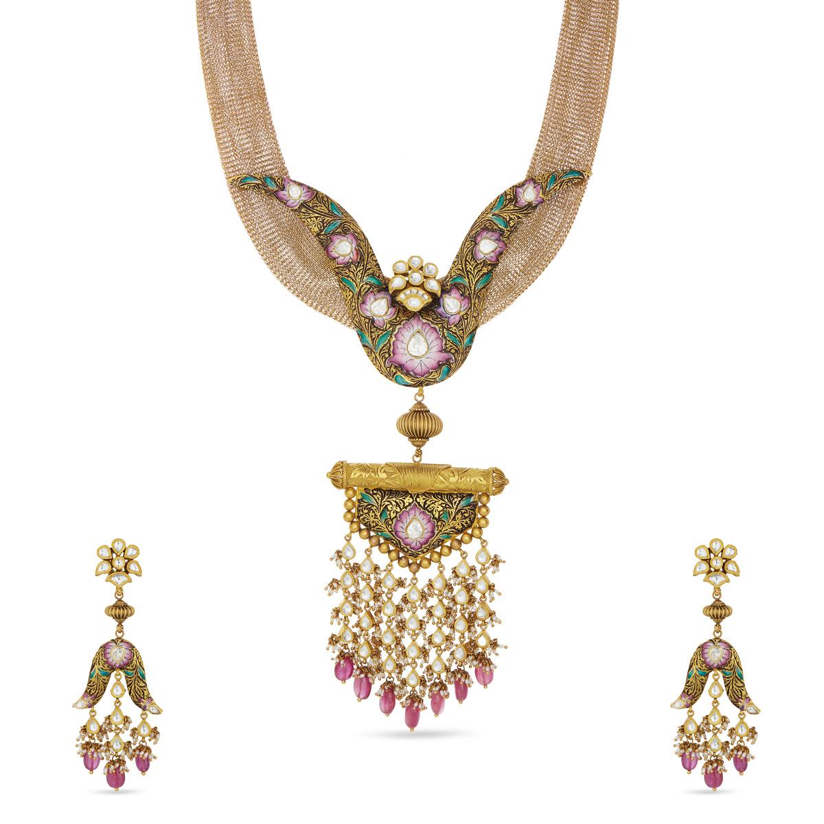 Clara Mesmerizing Necklace Set