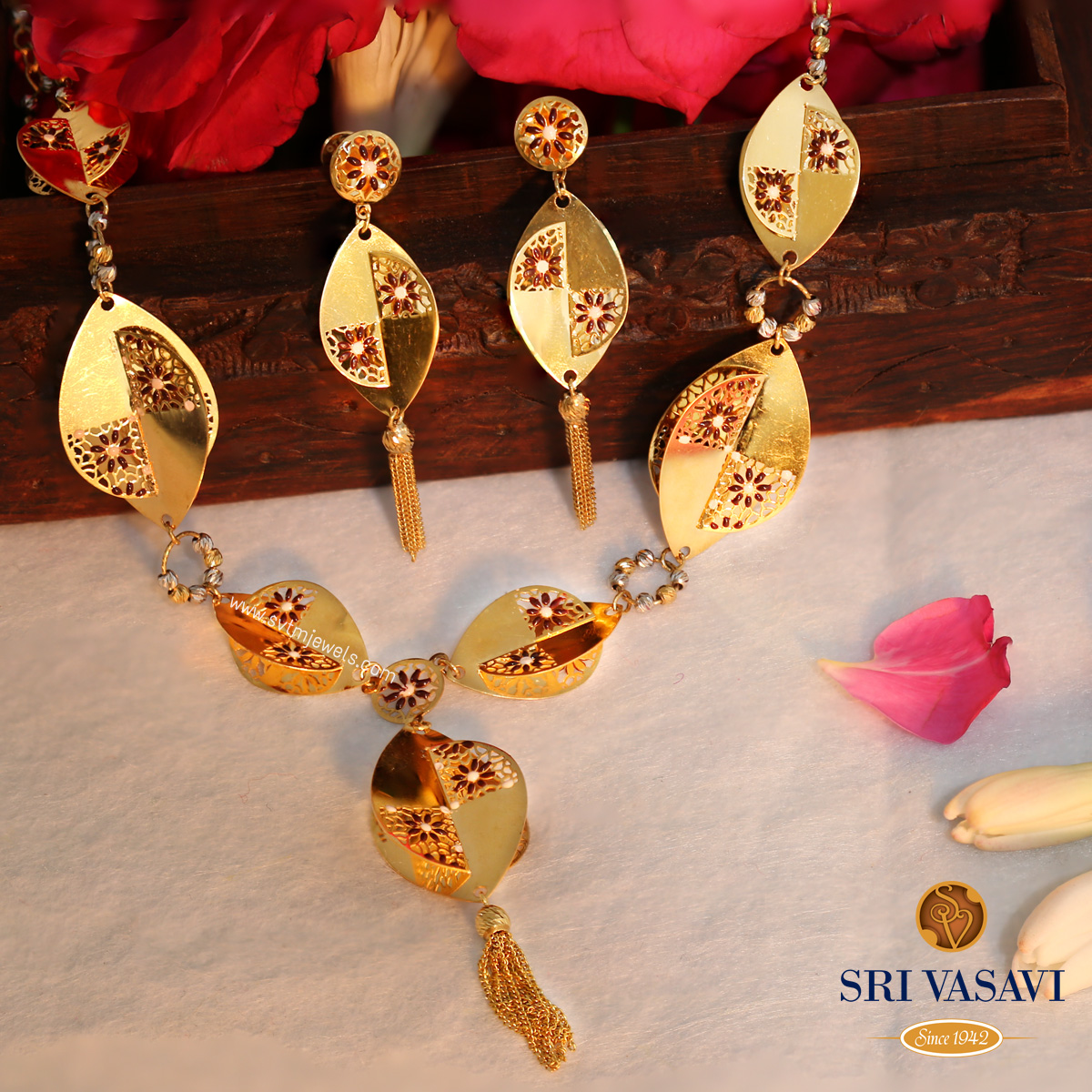 Hideous Necklace Set