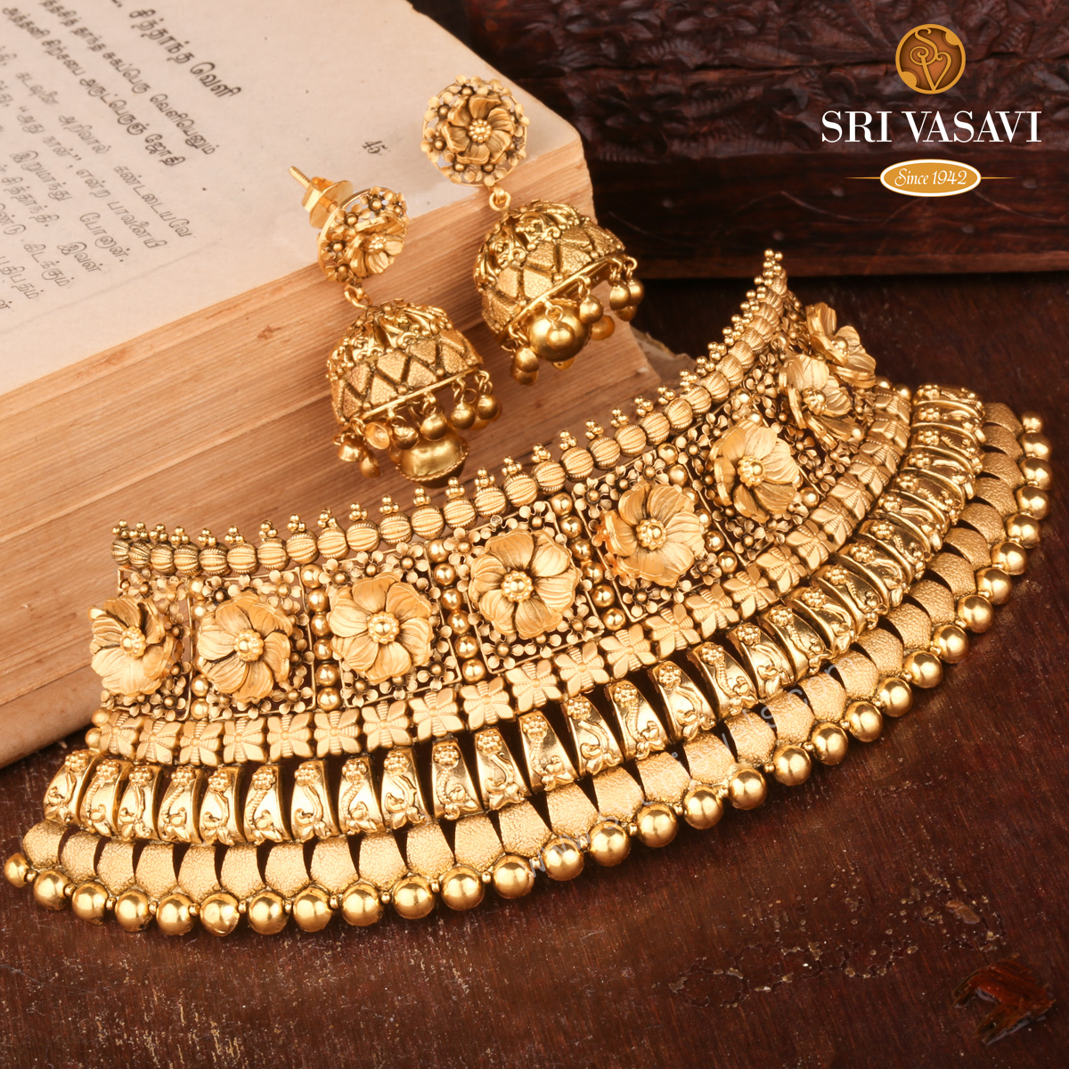 Antique Gold Choker Set