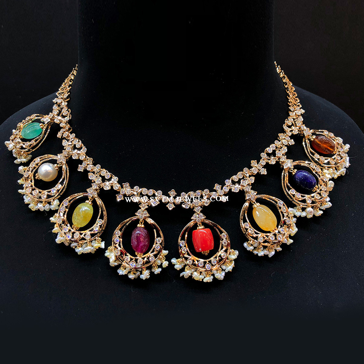 Glaring Navaratna Necklace
